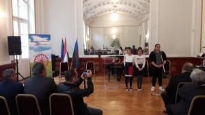 Lakatos Menyhért Általános Iskola és Kalyi Jag Iskola versmondó diákjai